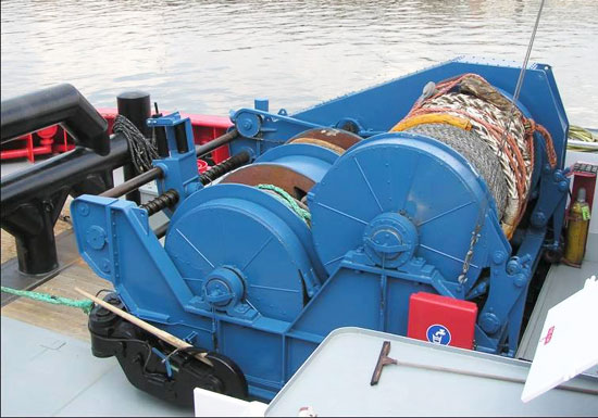 Deck Towing Winch