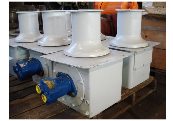 Hydraulically Driven Capstan