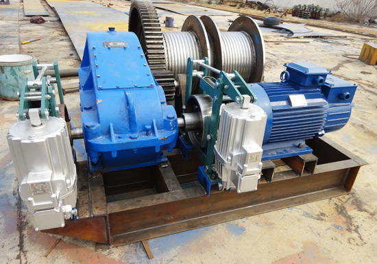 Double Drum Winch With Double Brake