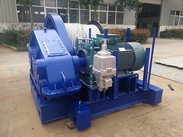 Electric Winch for Heavy Lifting